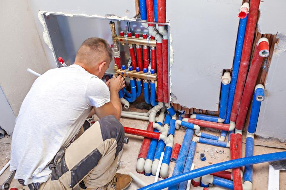 Comment réduire les dépenses en rénovation de plomberie