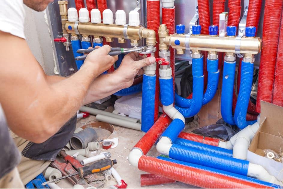 Raccordement de tuyaux de plomberie